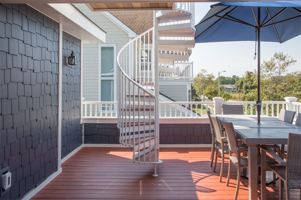 deck builder monmouth beach NJ top local deck builder at the jersey shore NJ