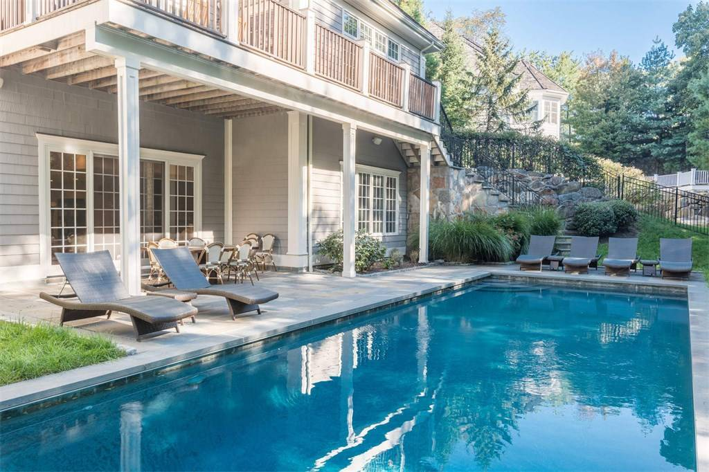 deck builder sea giry NJ custom local deck contractor monmouth county NJ