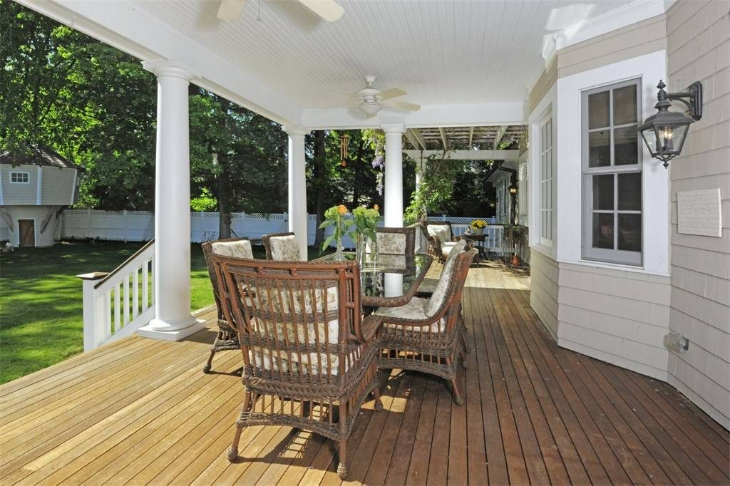 local deck builder monmouth beach NJ top deck company ocean and monmouth county NJ