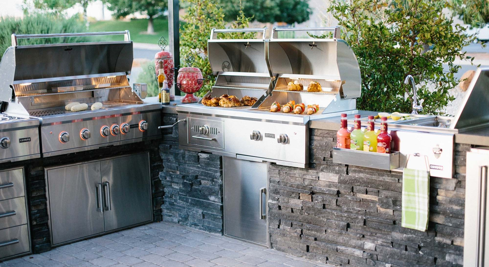 top outdoor kitchen design ideas 2019 top 10 outdoor kitchen designs