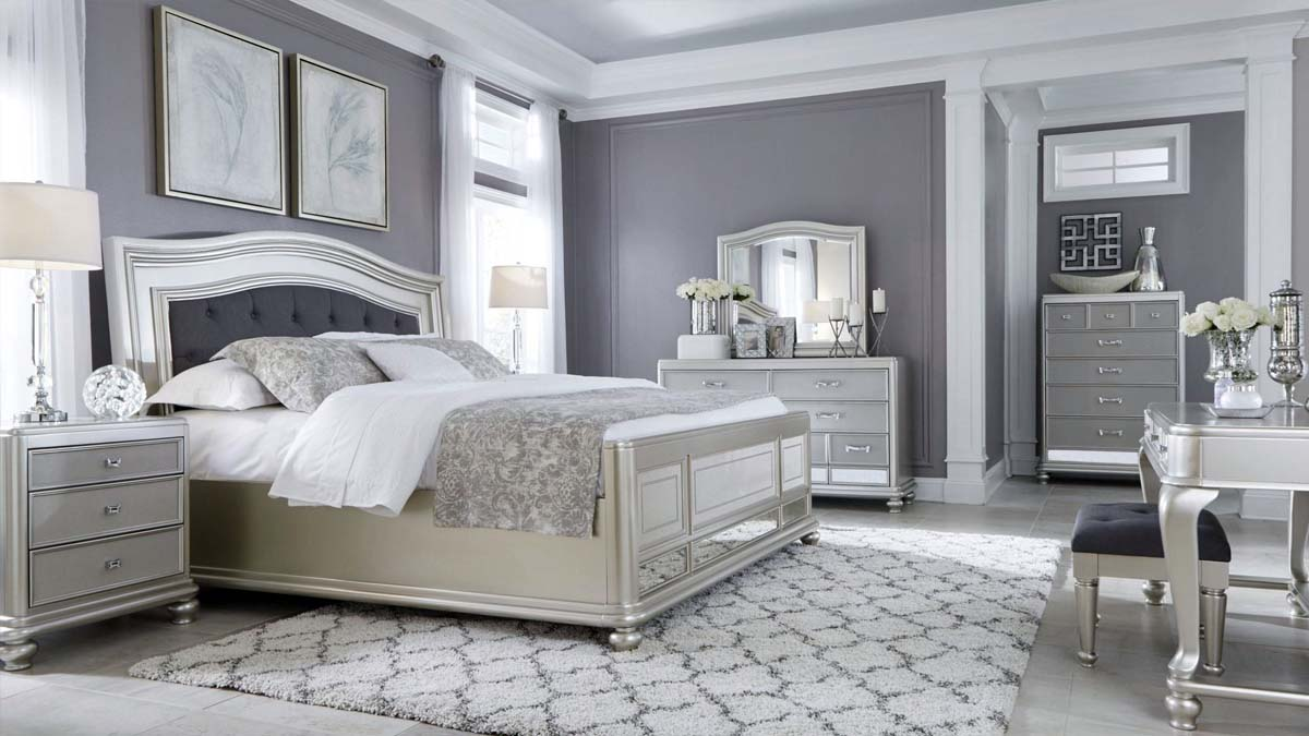 master suite design gray and white monochromatic design