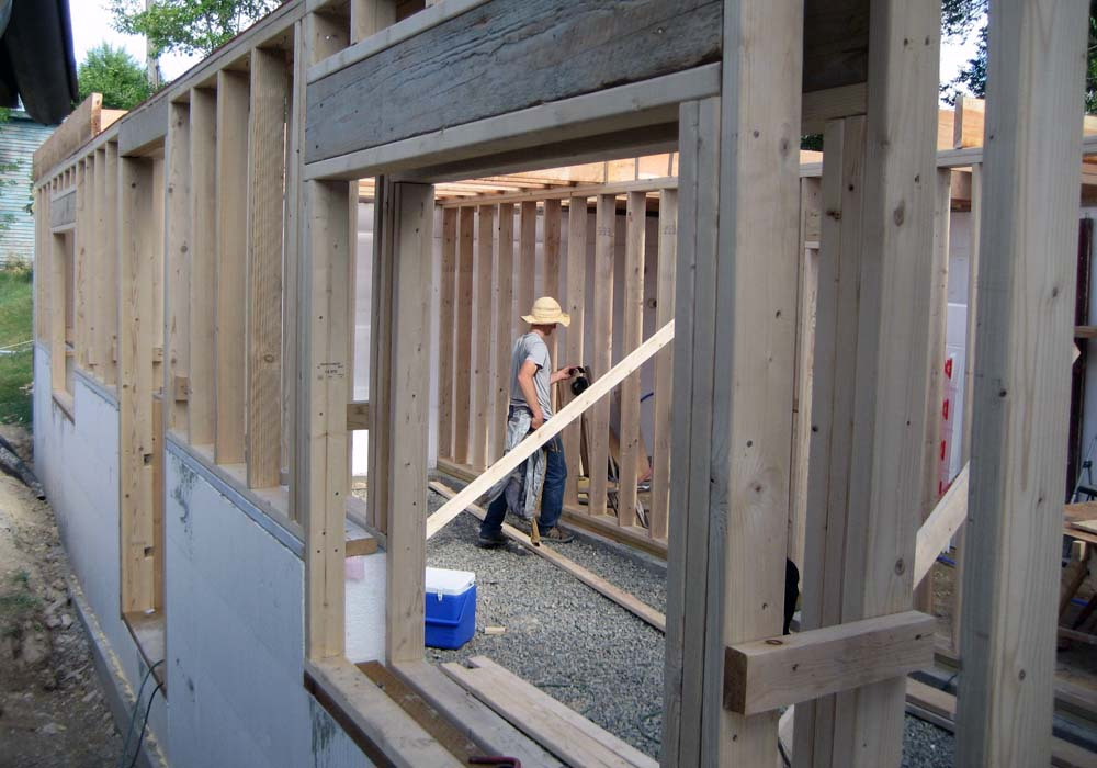 thermal bridge free construction - Passive House Standards - Double stud walls - Gambrick