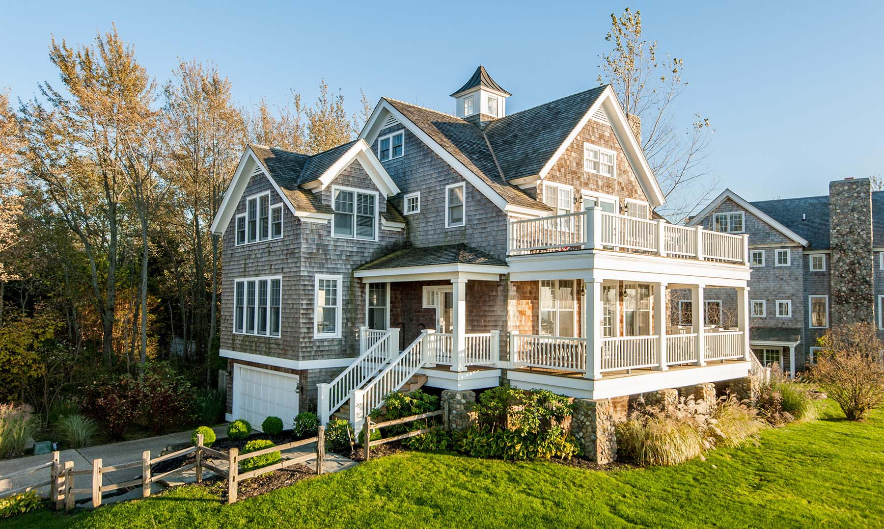 cedar shake siding with stone accents beautiful custom home