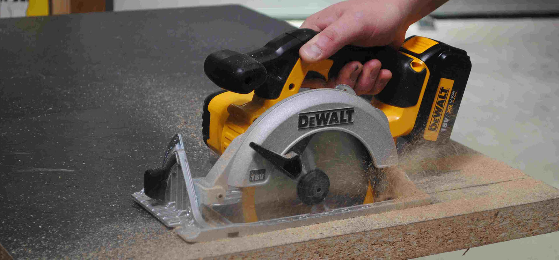battery powered circular saw is essential tool for woodworking beginners