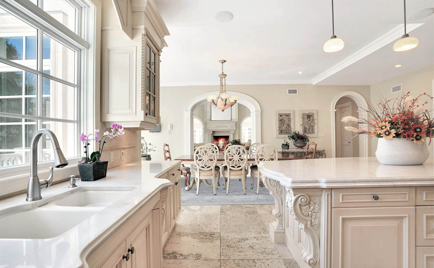 Image of: Cream Kitchen Cabinets Design Ideas For Beautiful Kitchens