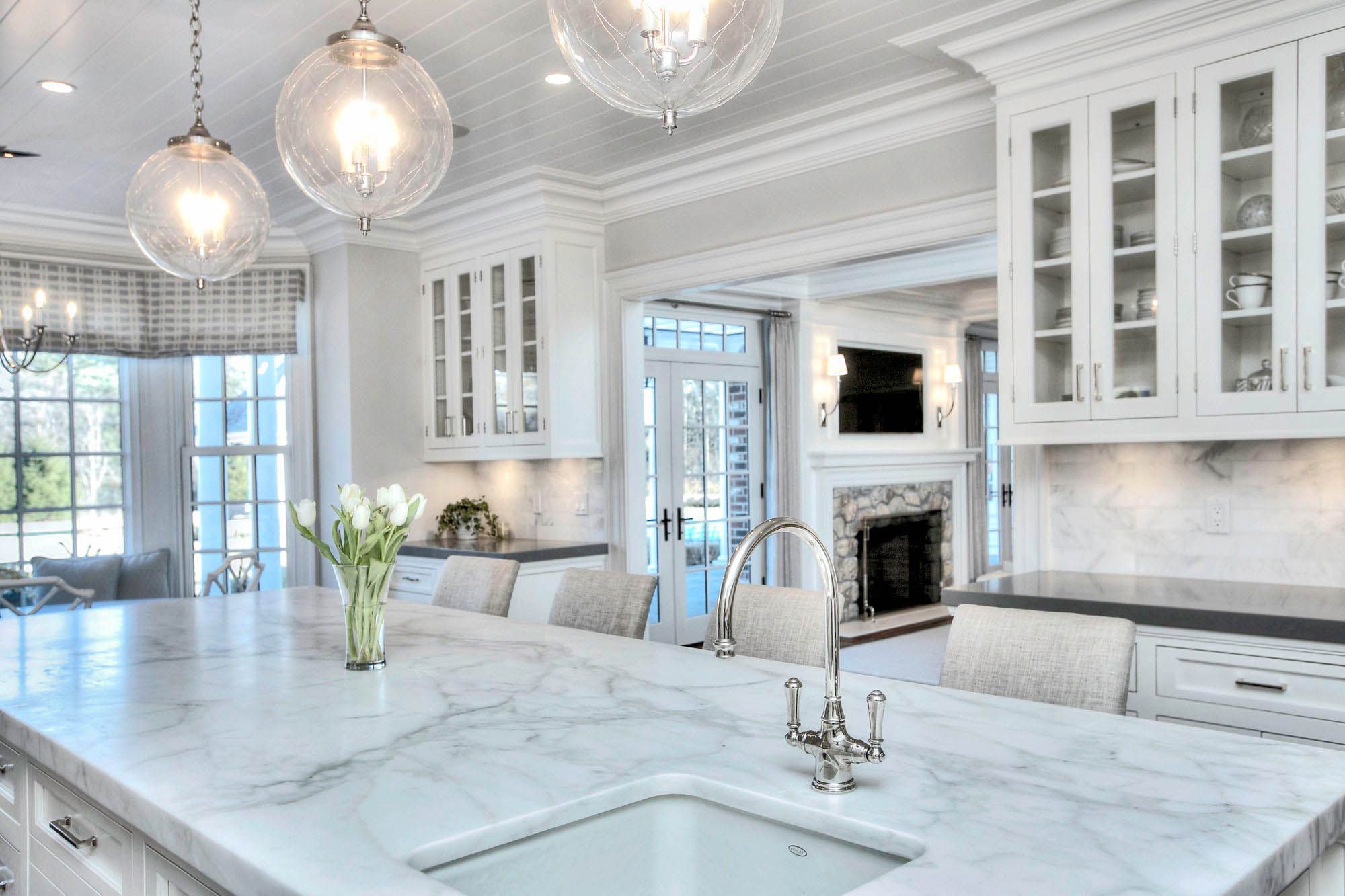Quartz countertops designed to look just like real marble.