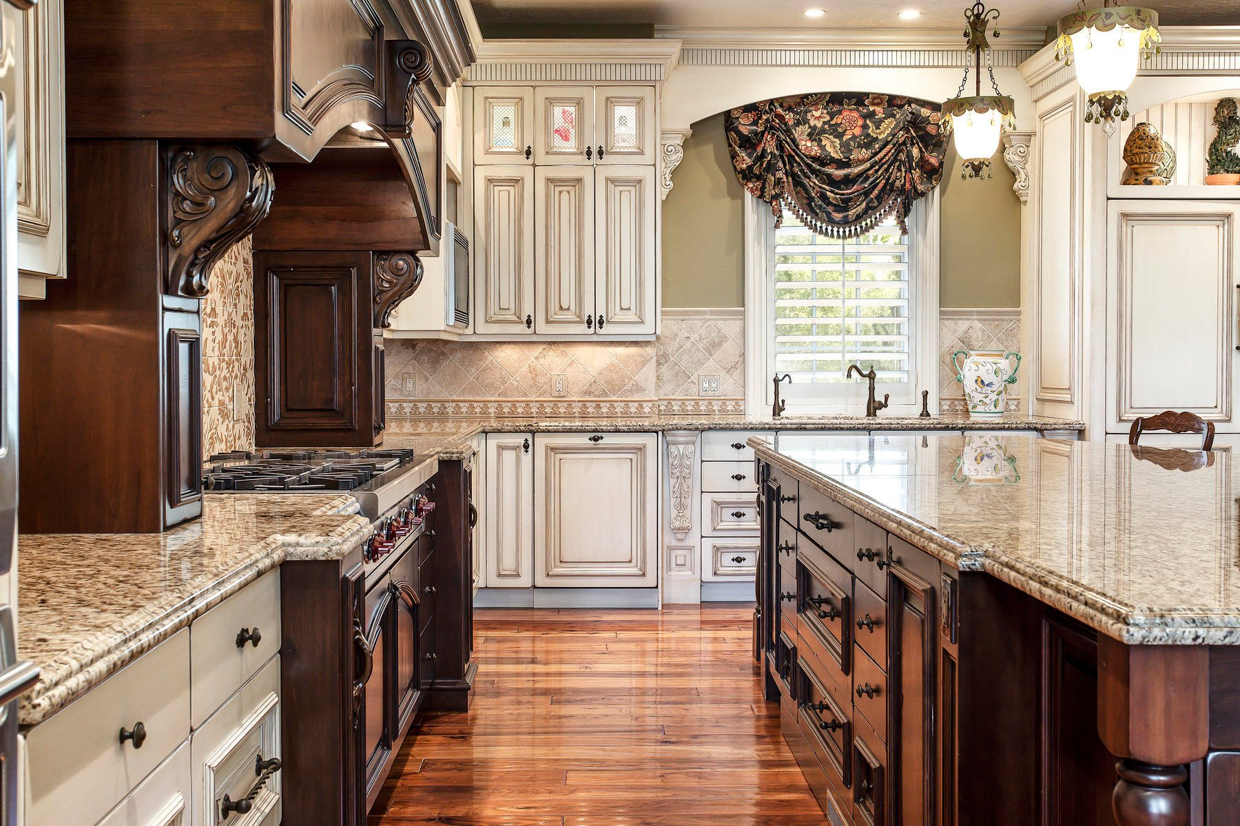 Two Tone Kitchen Cabinets Ideas Designs Colors Pictures